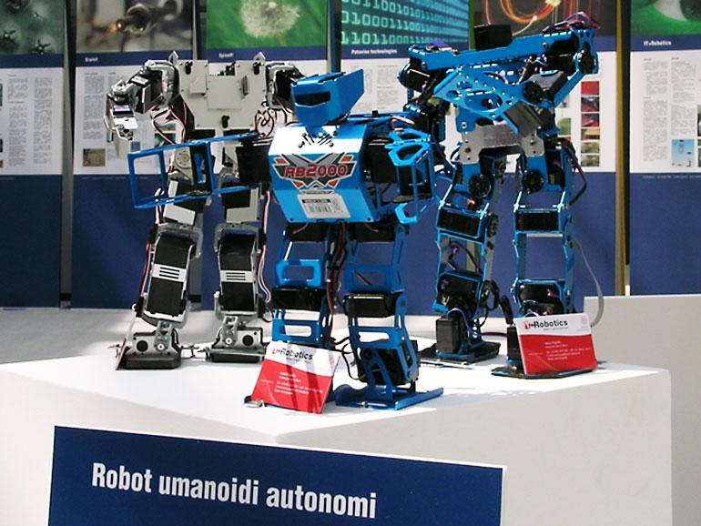ROBOT-UMANOIDI-001